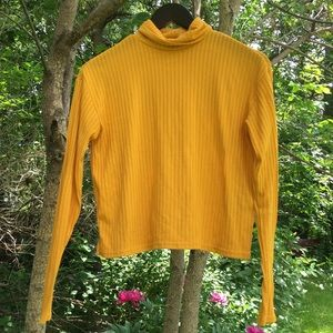 mustard crop turtleneck 🌱